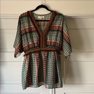 patterned loose fitting top - size L